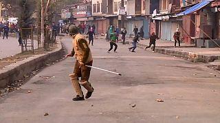 Кашмир: манифестация в память студента переросла в беспорядки