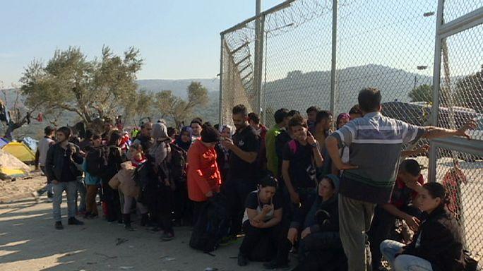 На о. Лесбос беженцев разделили по национальностям