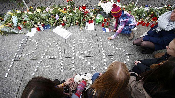 Uluslararası toplumdan Paris saldırılarına sert tepki
