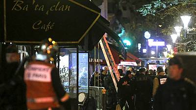 """Ataques de Paris: Testemunhas relatam """"cenas de apocalipse"""""""