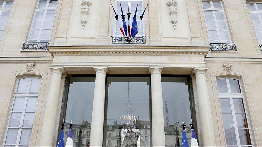 Parigi si risveglia in stato di guerra dopo il massacro