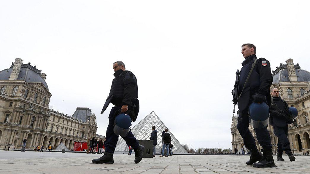 La France sous état d'urgence, Paris au ralenti