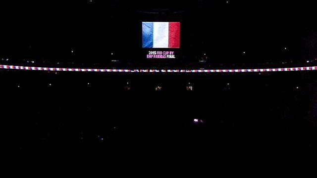 Attentats de Paris : le monde du sport en deuil