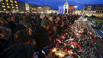 Tributes from around the world for Paris victims
