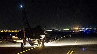French jets bomb ISIL stronghold in Syria