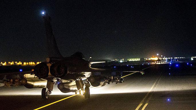 La France bombarde Raqqa, fief de EI