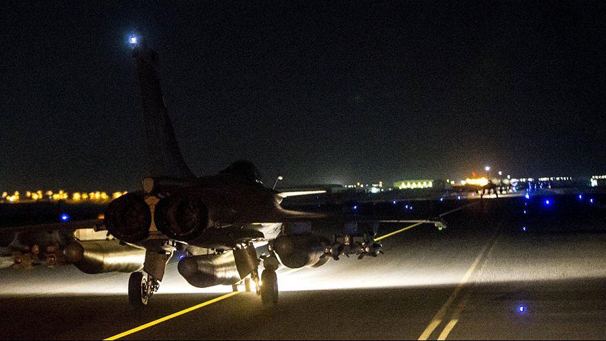 Francia bombardea el feudo del grupo Estado Islámico en Raqqa