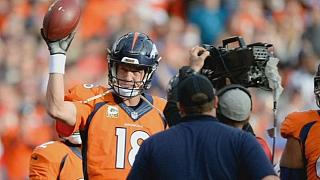 Manning breaks NFL all-time passing record