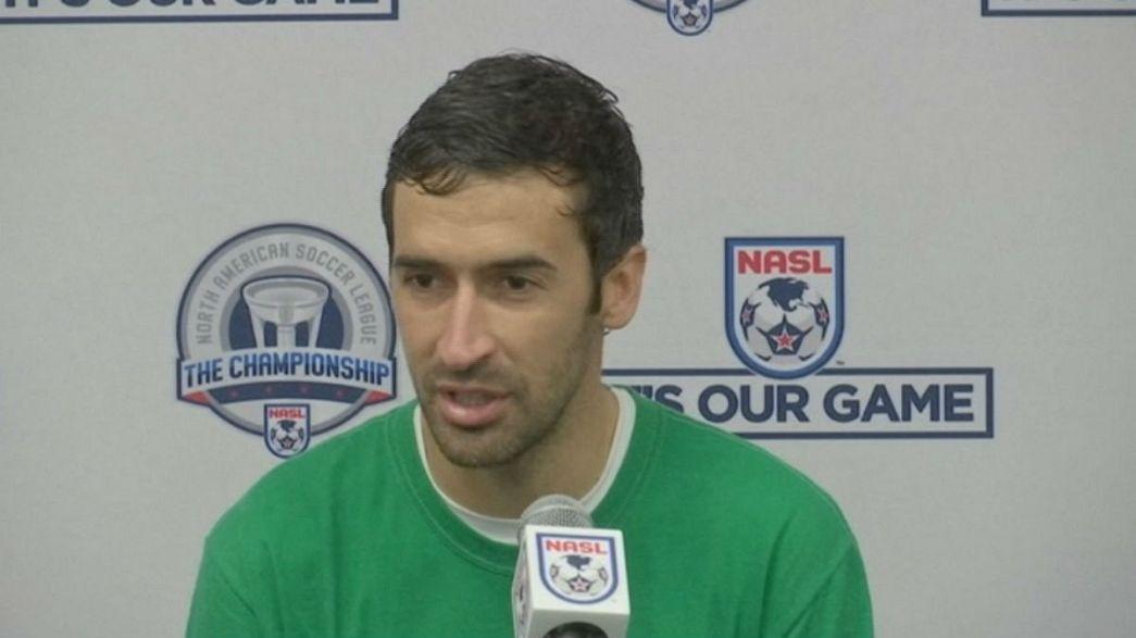 Calcio: Raul dà l'addio al calcio vincendo il campionato