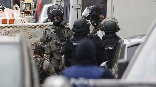 Belçika'da polis operasyonları devam edecek