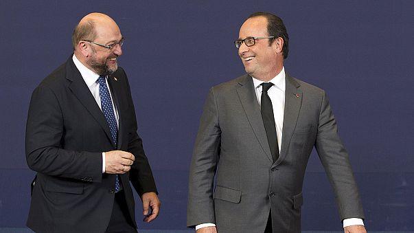 Schulz a Versailles sostiene la Francia
