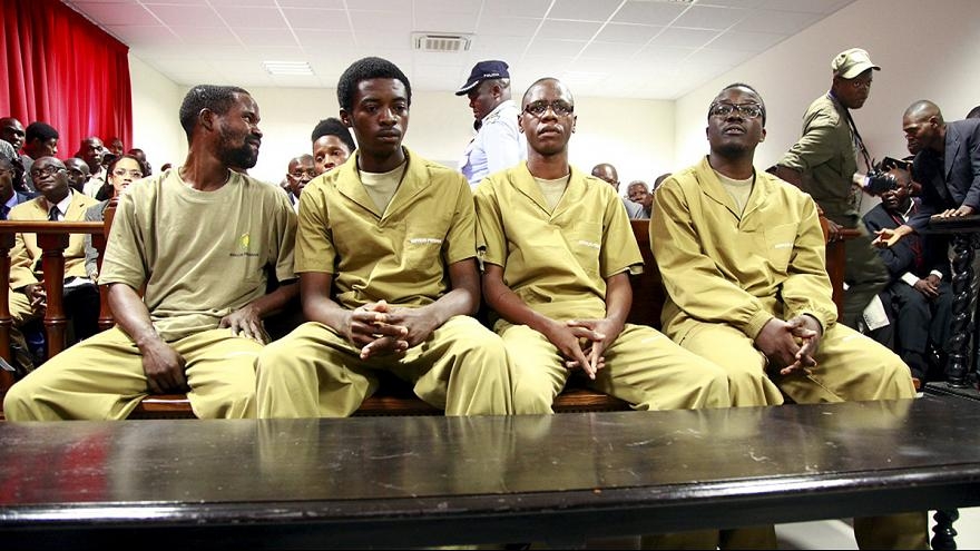 Angola: Julgamento de Luaty e companheiros entra no segundo dia