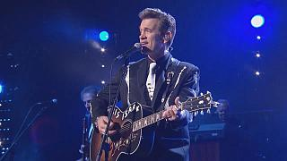 """First Comes the Night"" -Chris Isaak meldet sich zurück"