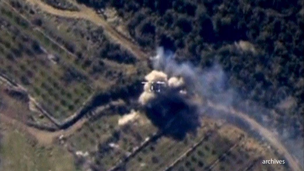 Russia intensifica gli attacchi sulla Siria e propone alla Francia azioni coordinate