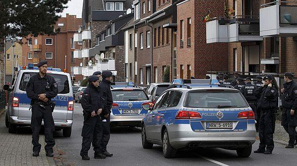 Hét embert tartóztattak le a német-belga határon lévő Aachennél