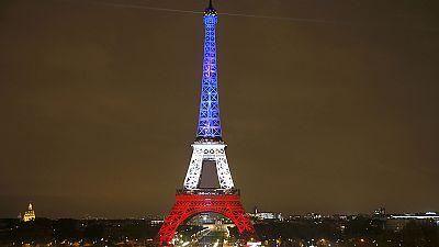 Las aerolíneas reconocen cancelaciones de pasajes con destino a París