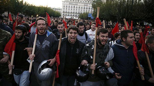 Афины: акция протеста в 42-ю годовщину студенческого восстания