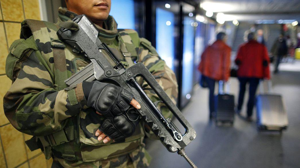 Attacchi Parigi: guerra che trasforma le società