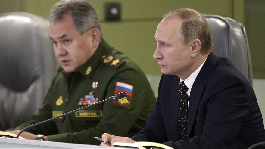 Russia vows to hunt down airliner bombers and steps up strikes on ISIL in Syria