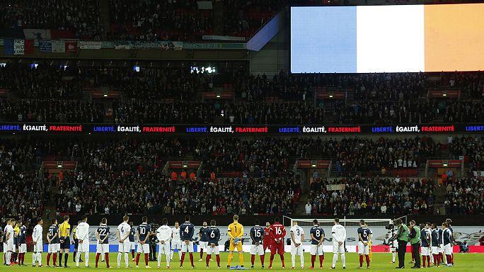 مباراة ودية بين انجلترا و فرنسا تميزت بروح تضامنية عالية مع ضحايا هجمات باريس