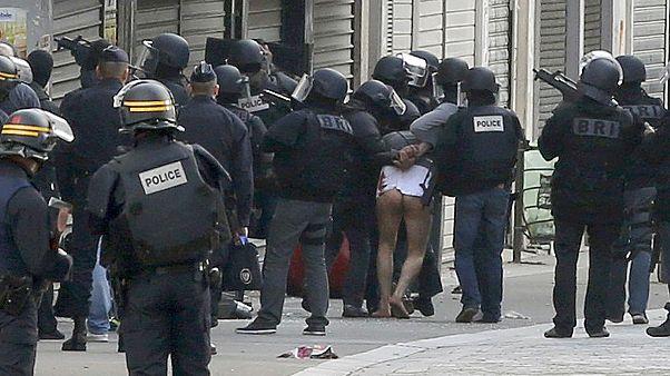 Париж: рейд против террористов в Сен-Дени закончен