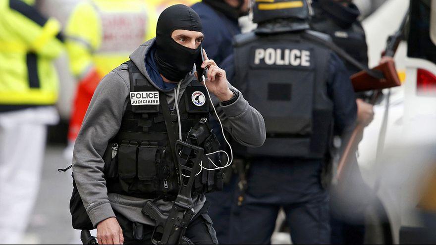 Paris'te hücre evine şafak baskını
