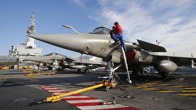 Россия и Франция наносят массированные удары по позициям группировки ИГ в Сирии