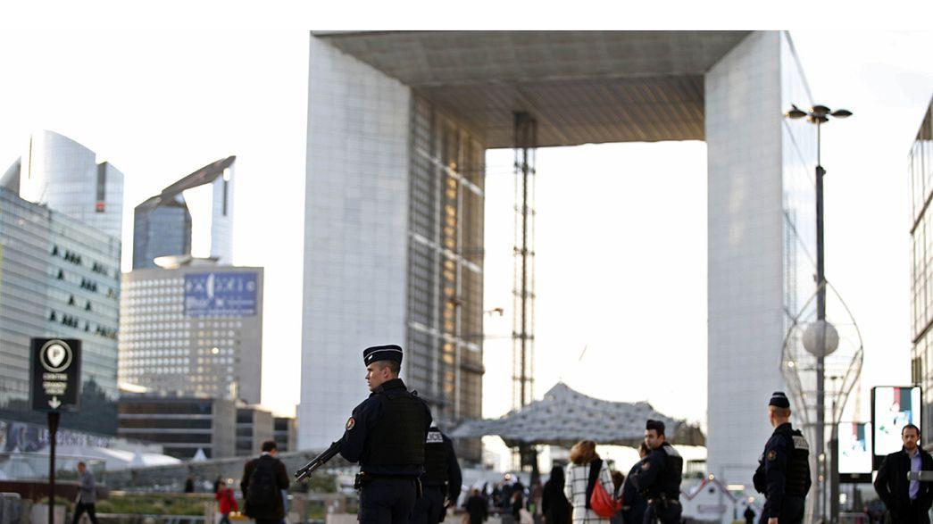 """Jamie Shea: """"Os ataques de Paris são oportunidade para melhorarmos troca de informações"""""""