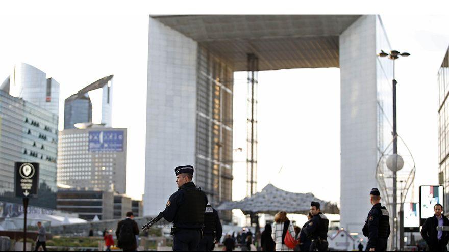 """Jamie Shea, OTAN : """"L'essentiel est bien sûr le suivi des suspects"""""""