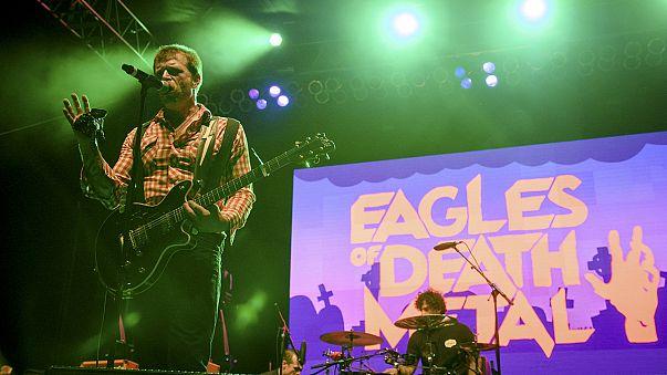 """Eagles ofDeathMetal прекращают концерты, но уверены, что """"любовь сильнее зла"""""""