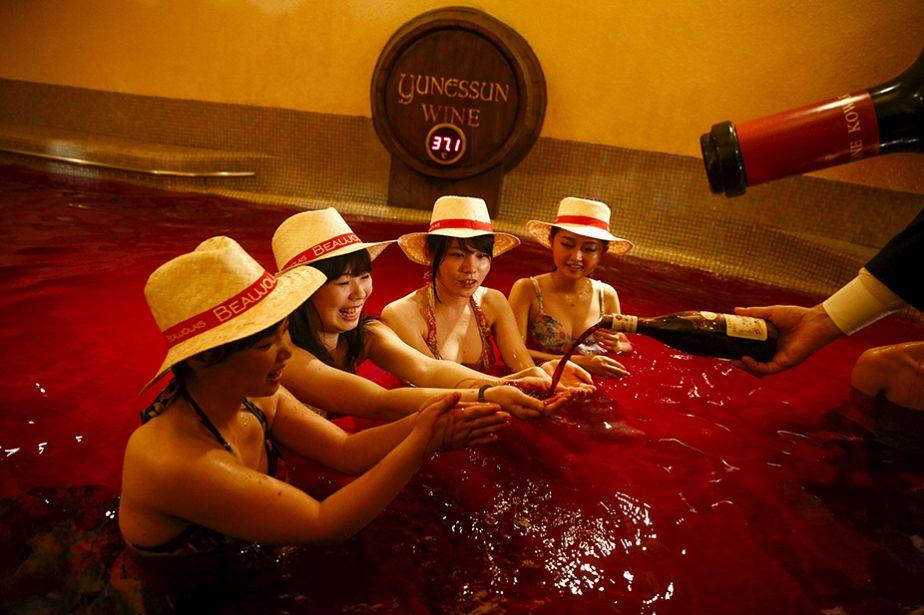 Japon : Tokyo goûte le Beaujolais nouveau