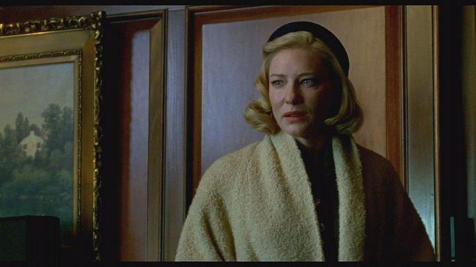 Cate Blanchett és Rooney Mara egymásra néz - Carol