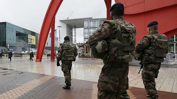 Γαλλία: Τι προβλέπει ο νόμος για την κατάσταση έκτακτης ανάγκης