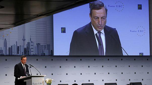 Dr. Draghi winkt mit der Geldspritze