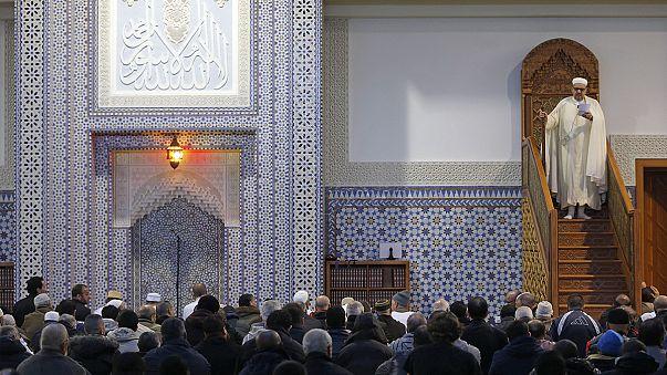 Une semaine après les attentats de Paris, la communauté musulmane entre colère et inquiétude