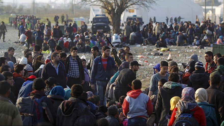 إجراءات مراقبة استثنائية للاجئين الوافدين على اليونان ومقدونيا