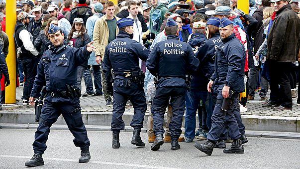 """Niveau d'alerte maximal à Bruxelles et métro fermé en raison d'une menace """"imminente"""""""