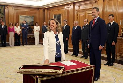 Spanish minister for economic affairs Nadia Calvino takes oath of office in presence of Spain\'s King Felipe VI at La Zarzuela palace in Madrid on June 7, 2018.