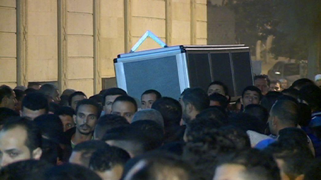 Funeral en Egipto por una de las 130 víctimas mortales de los atentados de París