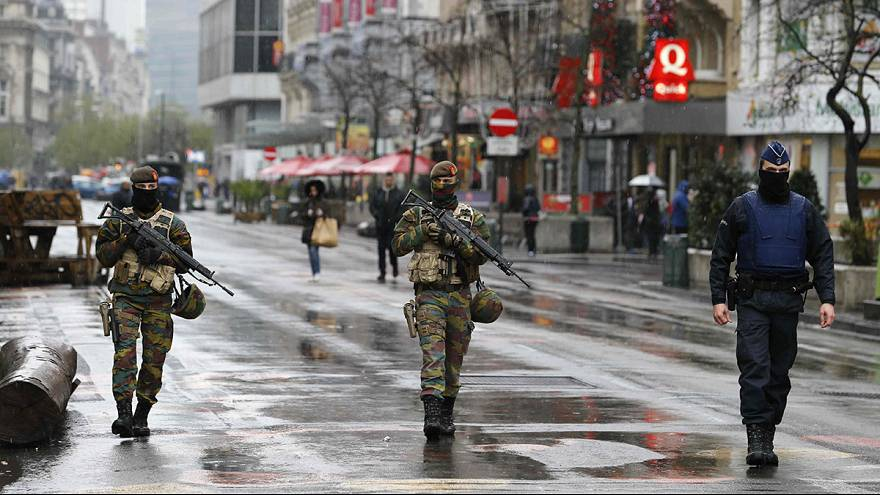 Brussels on full security alert, metro closed