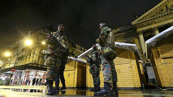 AB'nin başkenti Brüksel'de bombacı alarmı