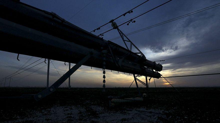 Krim behilft sich mit Notstrom nach Anschlag auf ukrainische Strommasten