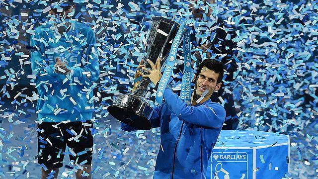 جوكوفيتش يتوج بلقب بطولة التنس الختامية للأساتذة في لندن