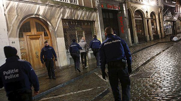 Belgian police arrest 16 in Sunday night anti-terror raids