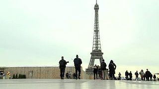 Economia francesa abranda depois dos ataques