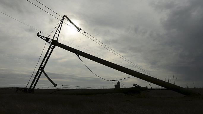 Áramszünet a Krímben: a vezetékeket még nem tudták megjavítani