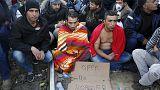 Ezreknek kellene visszafordulniuk a macedón határról