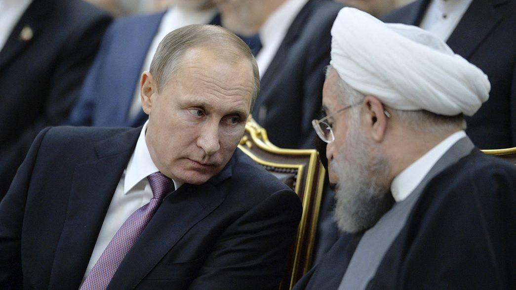 Rússia e Irão defendem solução política para conflito sírio