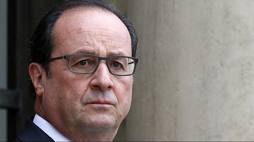 Primi raid francesi contro Isis dalla portaerei CDG. Oggi Hollande incontra Obama