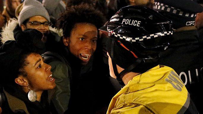 مظاهرة في شيكاغو عقب إدانة شرطي بقتل مراهق أسود